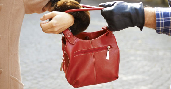 When to fight a purse snatcher
